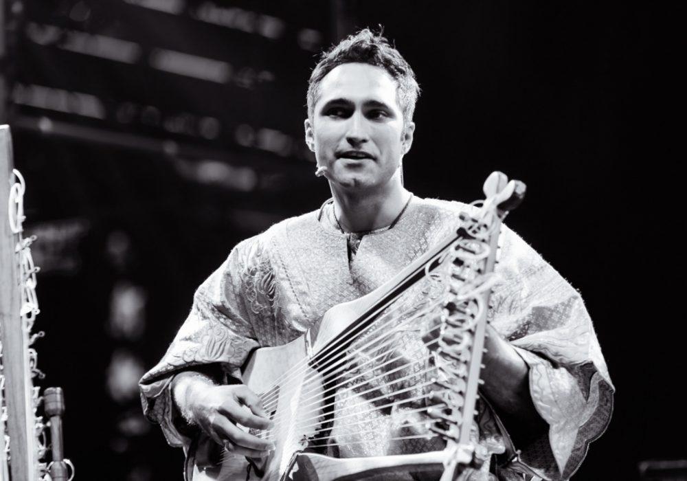 Lyre musician Yerko
